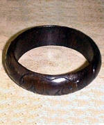 RAS_0479 Wooden ring stand.jpg (20517 bytes)